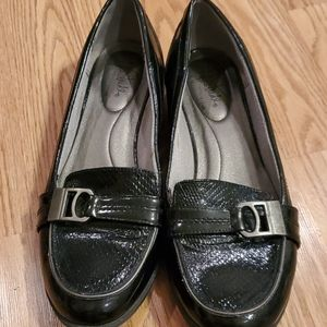 Life Stride dress shoes size 8
